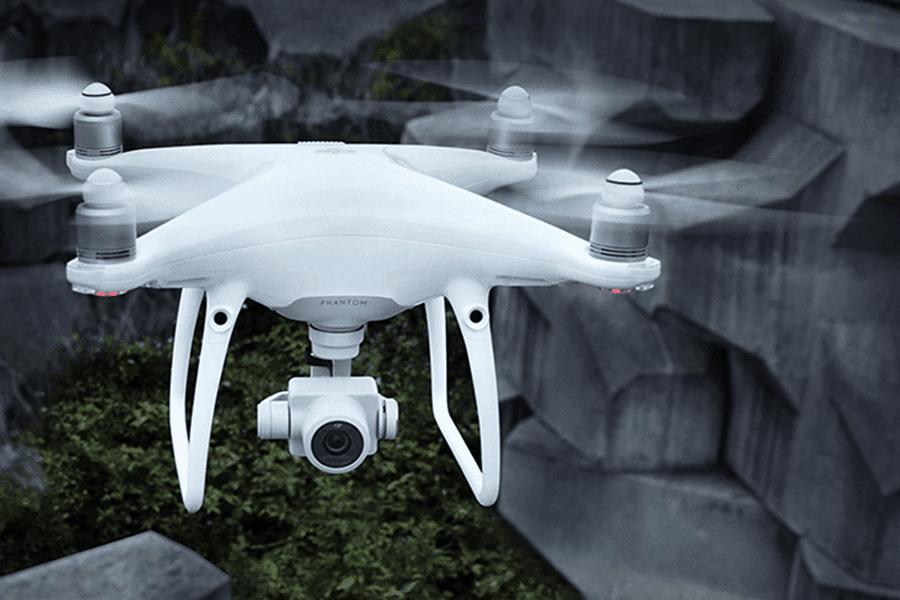 baltas dronas